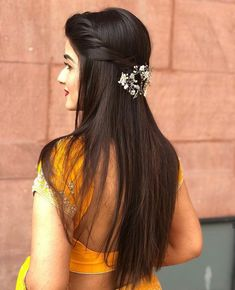 Wedding Hairstyles With Flowers Braid Curls Updo 30 Ideas For 2019 Saree Hairstyles, Open Hairstyles, Indian Wedding Hairstyles, Back To School Hairstyles, Bride Hairstyles, Hairstyles Haircuts, Everyday Hairstyles, Indian Hairstyles For Saree, Formal Hairstyles
