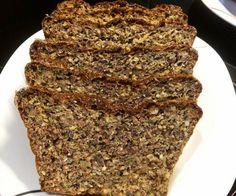 Leckeres Low Carb Eiweißbrot mit Zucchini und Karotte - super saftig und fluffig :)