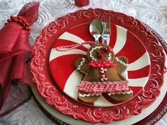 Purple Chocolat Home: Gingerbread House and Peppermint Road Tablescape