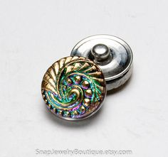 Snap button 18mm Czech glass, green purple, fits Ginger Snaps, Magnolia & Vine, and Noosa jewelry, item E175