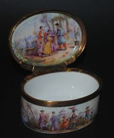 RARE-ANTIQUE-GERMAN-MEISSEN-PAINTED-CHINOISERIES-PORCELAIN-GOLD-SILVER-SNUFF-BOX