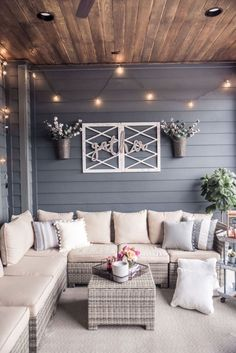 back patio decor Style At Home, Back Patio, Backyard Patio, Screened Porch Decorating, Back Porches, Screened Porches, Outdoor Patio Decorating, Lanai Decorating, Small Patio