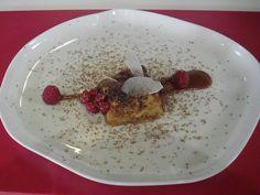 Torrija de chocolate blanco con tofe y caramelo de menta