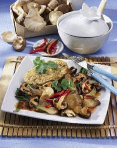 Chinesische Pilzpfanne mit Sesamknödel Rezept