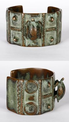 Burkina Faso | Contemporary bracelet, with turtle motif, from the Lobi people | Bronze alloy