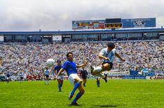 REGALO en alta calidad este golazo inolvidable a Italia en México 86. ¡Si no le hacés RT sos amigo de Pelé!