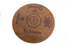 Mesa de Bar fabricada em madeira maciça, lisa ou com gravação a Laser no tampo.    Referência 1597  1597-A   Material Estrutura e madeira maciça e tampo em painel laminado.   Medidas Diâmetro: 70cm x Altura: 105cm - REF. 1597  Diâmetro: 70cm x Altura: 80cm - REF. 1597-A   Detalhes O produto será entregue desmontado.   Opções: Lisa ou Sommelier com gravação de rótulo de Whisky, Cerveja ou Vinho