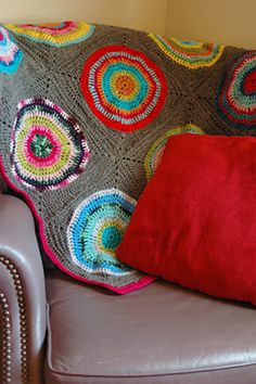 Crocheting motifs is one of the most popular ways to crochet an afghan. With 17 Motif Crochet Patterns for Afghans, you'll find that there is so much more to the basic granny square crochet motif. Crochet Home, Love Crochet, Crochet Crafts, Knit Crochet, Learn Crochet, Crochet Motif, Crochet Squares, Crochet Granny, Granny Squares