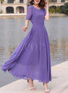Casual Formal Dresses, Modest Dresses, Dresses With Sleeves, Kurti Designs Party Wear, Dress Designs, Floral Evening Dresses, Frock For Women, Indian Gowns Dresses, Tropical Dress