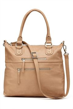Astrid Handbag For my Mum Season Colors, Black Handbags, Women's Accessories, Purses, Money Bags, My Style, Womens Fashion, Stuff To Buy, Fashion Styles