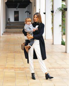Blog da Carlota: Mum's look Blog Da Carlota, Long Overcoat, Minimal Chic, Work Wardrobe, Cute Kids, Casual Chic, Minimalism, Suits, Style