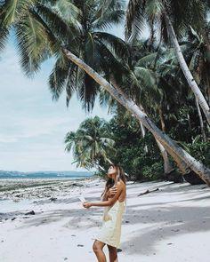 Palmtrees and beaches. . . . . . . .. . . #water #seashore #travel #traveling #visiting #instatravel #instago #ocean #sea #people #bikini #vacation #sand #leisure #girl #wear #resort #tan