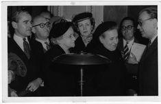 Borges todo el año: Rodrigo Fresán: Un Borges jugoso - Foto: Borges en 1955, tras asumir como Director de la Biblioteca Nacional  Fotografía postal impresa, colección particular