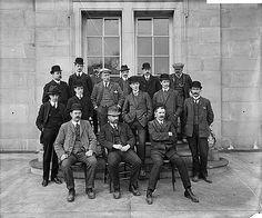 men outside the Royal Automobile Club, 89-91 Pall Mall, Mar 1911