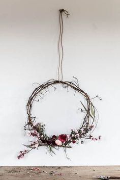 thoughts on making wreaths and a competition DIY wreath using a mixture of plants and flowers.DIY wreath using a mixture of plants and flowers. Noel Christmas, Christmas Wreaths, Christmas Crafts, Christmas Decorations, Xmas, Deco Floral, Arte Floral, Diy Wreath, Door Wreaths