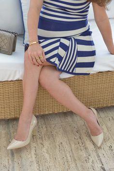 Vestido de tricot Carmen Steffens  é a escolha da blogueira Sophia Alckmin, que completou o look com scarpin  nude que vai com tudo e ainda dá a sensação que alonga a silhueta.