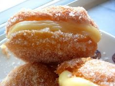 Bolas de Berlim - Portuguese Recipe .Each region from Northern to South of Portugal has its own way of making them. This is in Portuguese. Translated link english- http://diadadonadecasa.blogspot.fr/2010/09/bolas-de-berlim-receita-vencedora.html