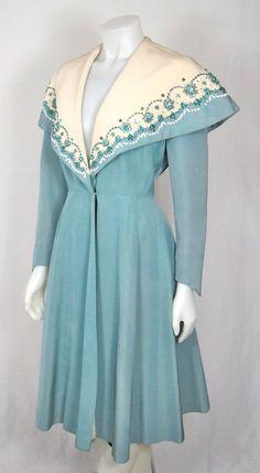 VINTAGE 1940S EMBELLISHED DRESS COAT w CAPELET COLLAR