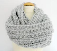 avec une laine qui se tricote en ou tu montes entre 120 et te permettra de  faire 2 tours de cou) sur une aiguille circulaire. pour faire mon modèle  j ai ... ffe7ab856b4