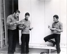 Spock just noticed you're watching -- s4.jpg (450×364)