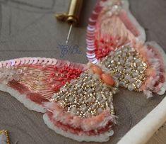 Коралловая бабочка. Натуральный коралл и нежный шелк. #шелк #вышивка…