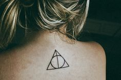 20 Awesome Minimalist Harry Potter Tattoos #harrypotter #tattoo