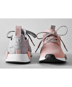 size 40 ffe3b 7a4f3 Femme Adidas NMD R1 Gris Clair Doux Rose Adidas Shoes Women, Baskets, Nmd  Sneakers