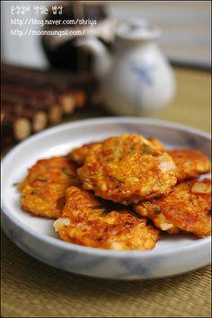 두부랑 김치만 있으면 되는~~김치두부동그랑땡~~ Side Dish Recipes, Asian Recipes, Side Dishes, Ethnic Recipes, Keto Recipes, Korean Dishes, Korean Food, Food Design, Home Baking