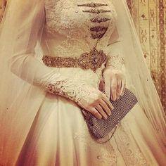 hijabi inspired wedding look. Muslimah Wedding Dress, Hijab Wedding Dresses, Bridal Dresses, Wedding Gowns, Bridal Hijab, Hijab Bride, Asian Wedding Dress, Leila, Muslim Brides