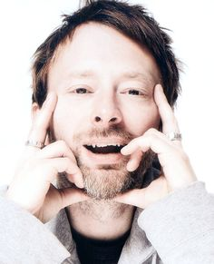 I laugh now, but later is not so easy. Thom Yorke Eye, Gerard Way, Music Icon, My Music, Great Bands, Cool Bands, King Of Limbs, Colin Greenwood, Musica