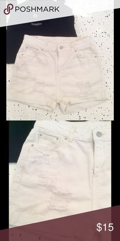High waisted shorts White denim shorts in 100% cotton. High waisted, front distressing, cuffs. No flaws! Mango Shorts Jean Shorts