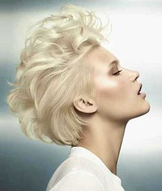 Short-Blonde-Hairstyle.jpg (500×589)