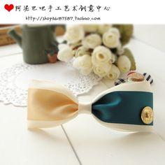 Ribbon and Buttons Bow Tie - Moños cintas y botones