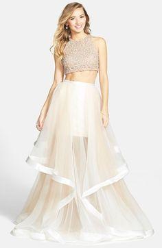 Pretty, very pretty organza maxi skirt! Terani Couture Beaded Top & Organza Two-Piece Ballgown Evening Dresses, Prom Dresses, Formal Dresses, Dress Prom, Beaded Dresses, Ceremony Dresses, Long Dresses, Nude Dress, White Dress