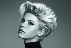 Are you starting to get bored with long hair? Why don't you try the short blonde bob hairstyles? It is really fantastic short blonde hairstyles look and. Short Hairstyles 2015, Short Hairstyles For Thick Hair, Haircut For Thick Hair, Short Hair Cuts For Women, Short Haircuts, Thin Hair, Blonde Hairstyles, Asymmetrical Haircuts, Short Cuts