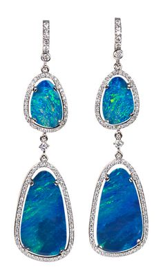 White gold drop earrings with 2 boulder opals each, surrounded by brilliant-cut diamonds.