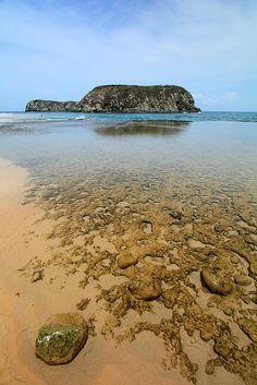 Praia do leão (Lion Beach), Fernando de Noronha, Brazil by Mathieu Struck, via Flickr