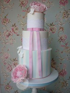 Peoni wedding Cake