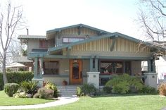 Explore Belmont Heights homes for sale and find your craftsman style home. Enjoy being close to the beach and stunning architecture. Craftsman Home Exterior, Craftsman Style Homes, Craftsman Bungalows, Bungalow House Plans, Bungalow Homes, Mission Style Homes, Cottages And Bungalows, California Real Estate, Up House