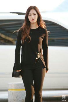 Kwon Yul in black