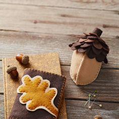 Make a bunch of acorn-inspired felt pincushions and needle books, then squirrel them away for holiday gifts.