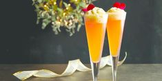 Whether you're looking for the perfect Christmas martini, or prefer something nontraditional like a cranberry margarita, these holiday drink recipes will be a hit with all of your guests. Christmas Martini, Christmas Cocktails, Holiday Drinks, Festive Cocktails, Bourbon Cocktails, Cranberry Margarita, Cocktail Garnish, Champagne Cocktail, Old Fashion Cocktail Recipe