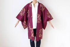 Etsy のfloral kimono jacket, Haori, silk kimono, Japanese kimono, meisen /1627(ショップ名:LitreJapan)