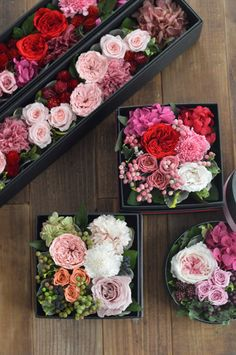 Awesome diy flowers tips are available on our web pages. Check it out and you wont be sorry you did. Mason Jar Flowers, Diy Flowers, Colorful Flowers, Paper Flowers, Flower Box Gift, Flower Boxes, Wine Bottle Crafts, Jar Crafts, Flower Packaging