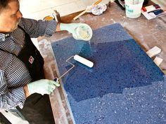 This DIY step-by-step guide will teach you how to make recycled glass countertops with Surecrete's Terrazo Mix, CHENG SmartColor pigment and recycled glass. Making Concrete Countertops, Recycled Glass Countertops, Quartzite Countertops, Concrete Kitchen, Concrete Table, Concrete Furniture, Diy Countertops, Concrete Floors, Modular Furniture
