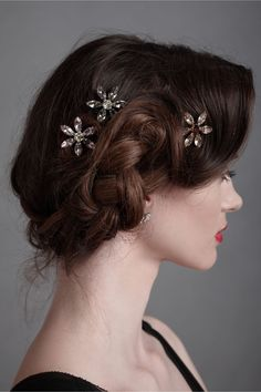 We love this updo with gorgeous hair jewelry to add a little sparkle to your prom or graduation look.