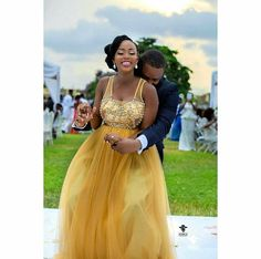 African Traditional Wedding, Traditional Wedding Dresses, Traditional Outfits, African Bridal Dress, African Dress, Wedding Pics, Wedding Ideas, Wedding Planning, Bridal Gowns