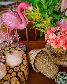 Simple & DIY Decor Ideas for your Mehendi/Haldi function at Home. With Backdrops and Flowers, We have so many Ideas for you.#shaadisaga #indianwedding #mehendidecorideas #mehendidecorideasathome #mehendidecorideassimple #mehendidecorideasoutdoor #mehendidecorideasbackdrops #mehendidecorideasdiy #mehendidecorideasathometerrace #mehendidecorideasathomesimplediy #mehendidecorideassatgedecorations #mehendidecorideasbackdropphotobooths Mehendi Decor Ideas, Mehndi Decor, Mehndi Ceremony, Intimate Wedding Ceremony, Leaf Prints, Floral Prints, Bridal Henna, Blooming Flowers, Tropical Decor