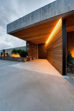 Modern house entrance design - Home Decorating Trends - Homedit Modern Entrance, Entrance Design, House Entrance, Door Design, Exterior Design, Facade Design, Modern Entry, Entrance Ideas, Main Entrance