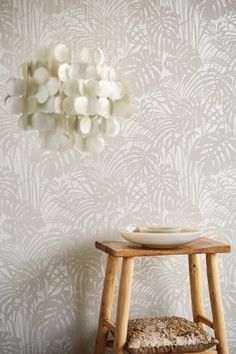 Luxusní vliesová tapeta na zeď 378015, Reflect, Eijffinger Luxury Wallpaper, Love Wallpaper, Grey Glitter Wallpaper, Diy Wall, Wall Decor, Inside Home, Cool Curtains, Pattern Matching, What's Your Style